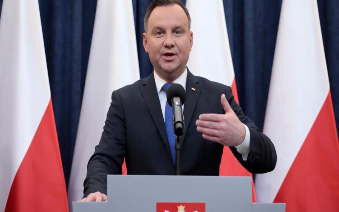 رئيس بولندا يفوز بولاية جديدة