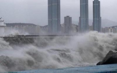 """الإعصار """"سالي"""" يجتاح جنوب شرق الولايات المتحدة ويهدد بكوارث"""