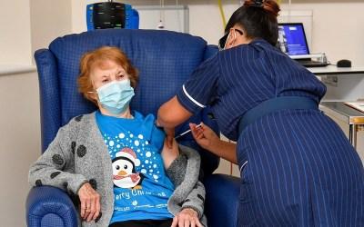 """بدء عمليات التلقيح ضد فيروس """"كورونا"""" في بريطانيا"""