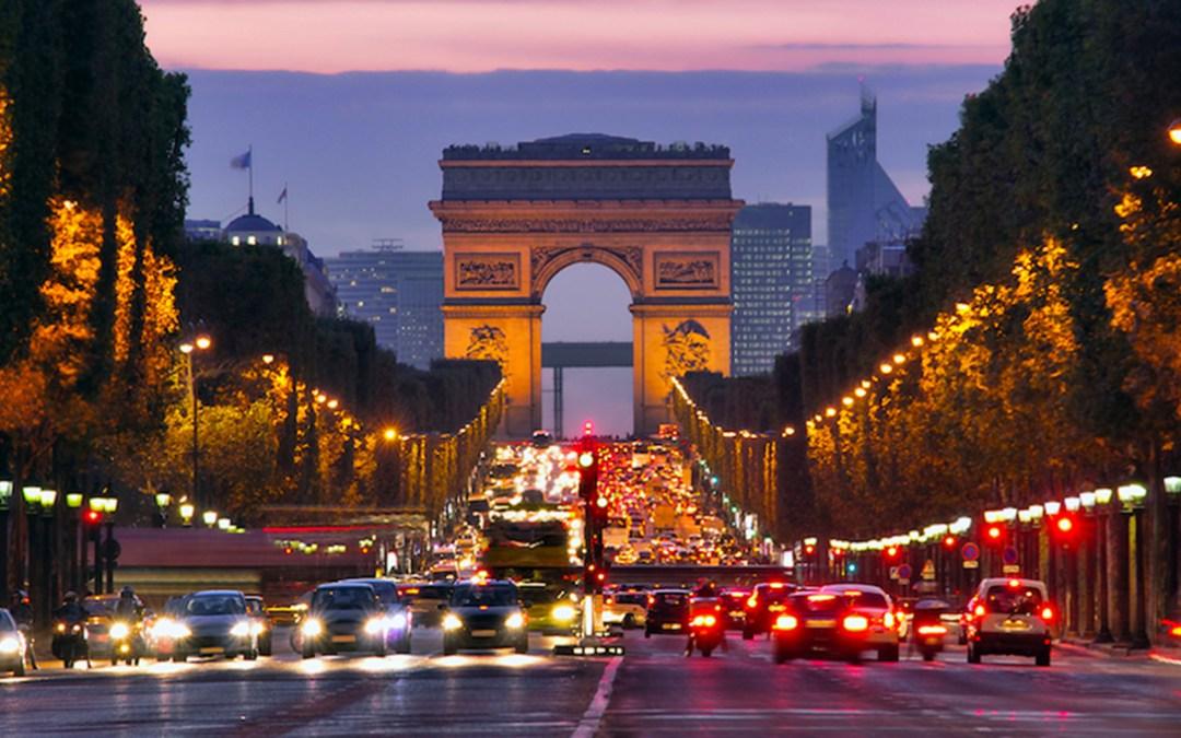 """باريس توافق على تحويل شارع الشانزليزيه إلى """"حديقة استثنائية"""""""
