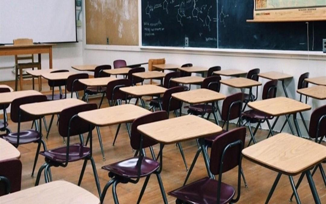 معلمو الأساسي: المشكلة في العودة للمدارس لن تقتصر على الجانب الصحي