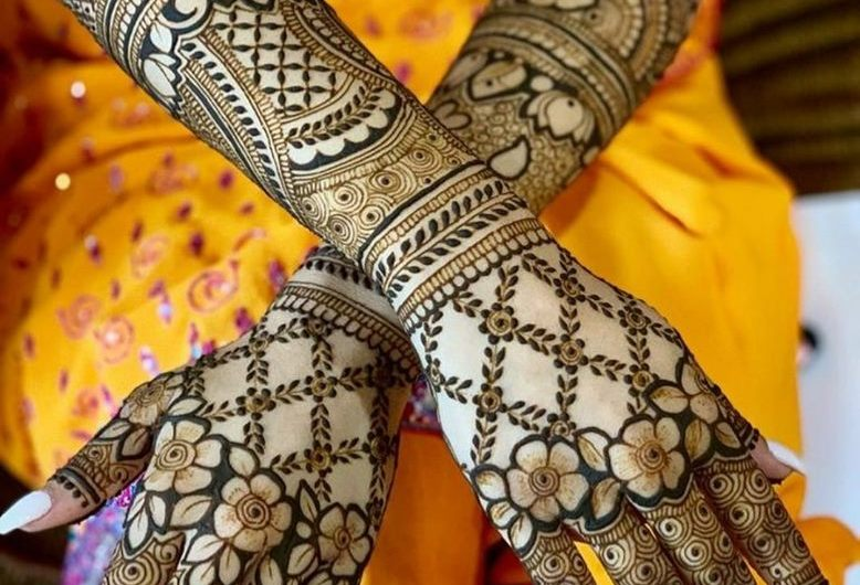 Trending Designer New Bridal Mehndi Designs 2019 For Hands And Feet