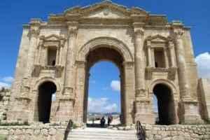 Jordanien: Hadriansbogen
