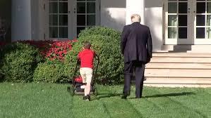 Photo of طفل عمره 11 عاما يعمل في البيت الأبيض برعاية ترامب