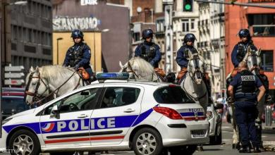 Photo of فرنسا.. رجل يعتدى على سيدتين بمطرقة