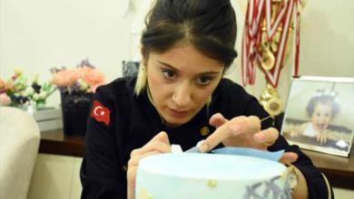 Photo of بالصور.. قالب حلوى يغير حياة سيدة تركية