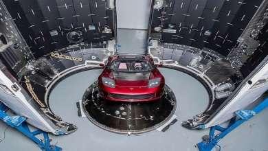 Photo of سيارة تسلا إلى الفضاء