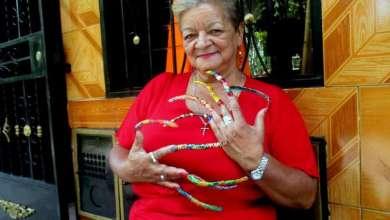 Photo of صاحبة أطول أظافر في كولومبيا تستعد لدخول «غينيس»