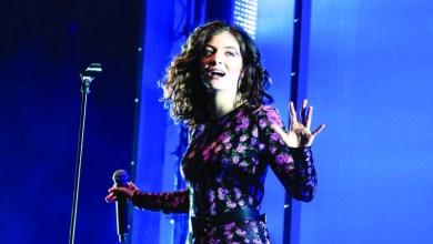 Photo of مغنية نيوزيلندية تلغي حفلاً في إسرائيل تضامناً مع الفلسطينيين