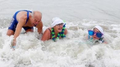 Photo of السباحة في البرد القارس لهذا السبب….