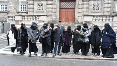 Photo of رجل أعمال يسدد غرامات النقاب المفروضة على المسلمات في 6 دول
