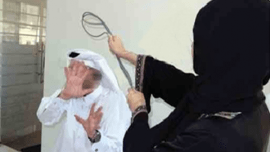 "Photo of زوجة سعودي تعنفه وتشج رأسه.. وأداة الحادثة ""مزهرية"""