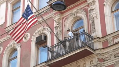 Photo of دبلوماسيو أميركا المطرودون من روسيا يغادرون موسكو