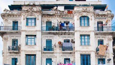 Photo of منع نشر الملابس على شرفات العمارات في العاصمة الجزائرية