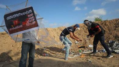 Photo of طائرات غزة الورقية الحارقة تربك إسرائيل عسكريا وتقلق سكانها