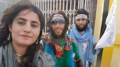 Photo of لأول مرة.. سيلفي امرأة غير محجبة مع عناصر طالبان!