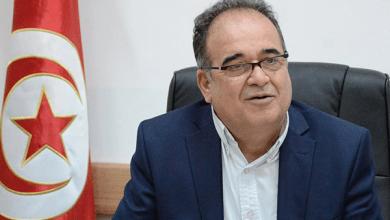 Photo of وزير تونسي يتعرَّض للضرب أمام المواطنين