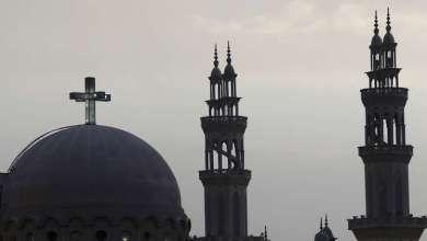 Photo of مسلمون يخمدون حريقا داخل كنيسة في مصر