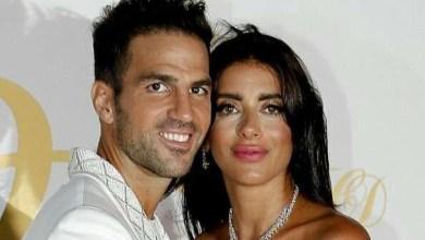 Photo of من هو المصمم الذي وقّع إطلالة فابريغاس وزوجته؟