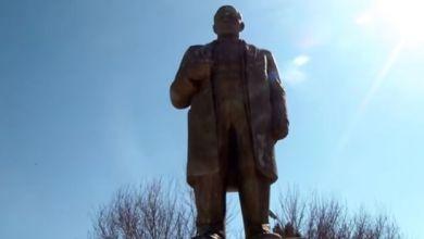 Photo of أئمة مساجد يجمعون تبرعات وينفقونها على ترميم تمثال لينين