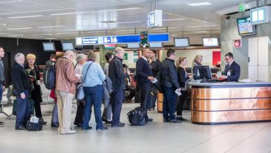 Photo of إيطاليا تهدد بغلق مطاراتها في وجه اللاجئين