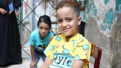 """Photo of توجيه 7 اتهامات لمدرس مصري بسبب تصويره """"الطفل الباكي"""""""