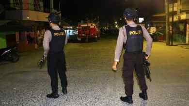 Photo of بعد حصار الشرطة.. زوجة إرهابي إندونيسي تفجر نفسها مع ابنها