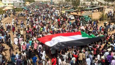 Photo of السودان.. مصادر تؤكد تنحي عمر البشير
