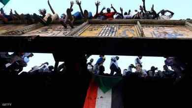 """Photo of السودان.. حشود غفيرة في """"موكب المليون"""" أمام مقر الجيش"""