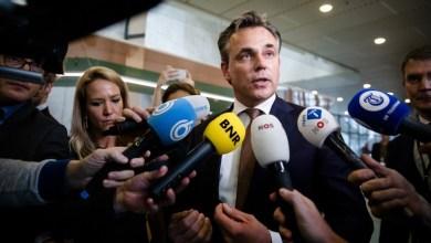 "Photo of ""جرائم اللاجئين"" تطيح بوزير الهجرة الهولندي"