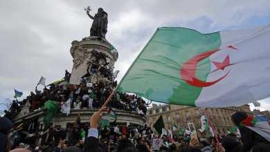 Photo of الجزائريون يطالبون بتأجيل انتخابات الرئاسة قبل انتهاء مهلة تسلم ملفات الترشح