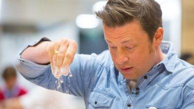 Photo of لماذا انهارت سلسلة مطاعم الطاهي الشهير جيمي أوليفر؟