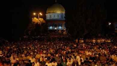 """Photo of 400 ألف شخص يحيون """"ليلة القدر"""" في الأقصى"""
