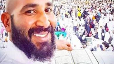 Photo of أحمد سعد يثير الجدل بسبب تصرفه في الحرم المكي