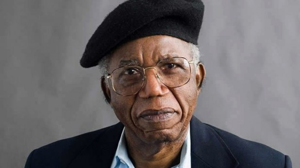 تشينوا أتشيبي روائي نيجيري