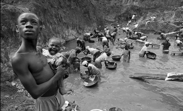 """مليون إنسان يعيشون """"العبودية الحديثة"""" slaves.jpg?zoom=2&resize=615,330"""