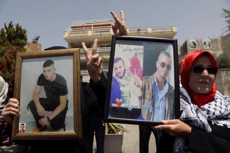 الإتحاد الأوروبي قلق من استمرار إضراب الأسرى الفلسطينيين