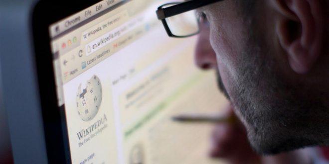 شاب قرأ خمسة مقالات على ويكبيديا، وقرر أن يترفع عن مناقشة عامة الناس (الرعاع)!!