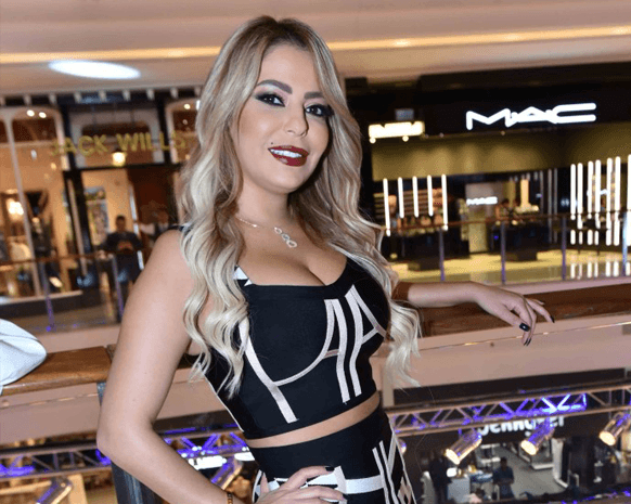 شاهد : ليليا الأطرش ترتبط برجل في سن أبيها !!