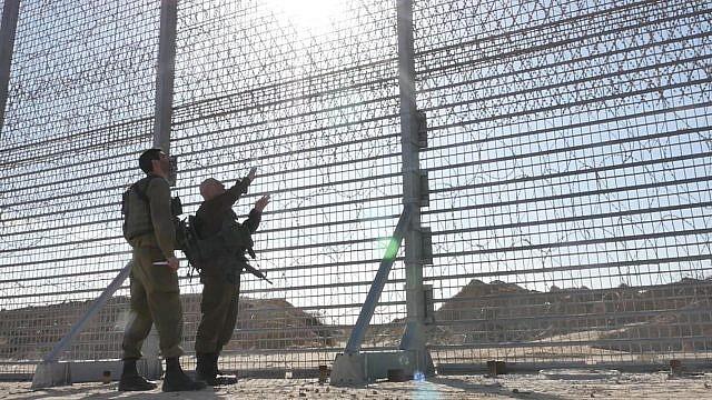 يديعوت أحرونوت: رهان إسرائيلي جدير بالاهتمام في غزة