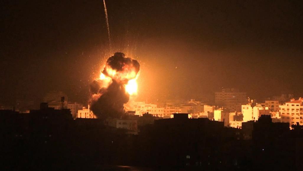 الاحتلال يقصف مكتب هنية ومبنى الأمن الداخلي بغزة