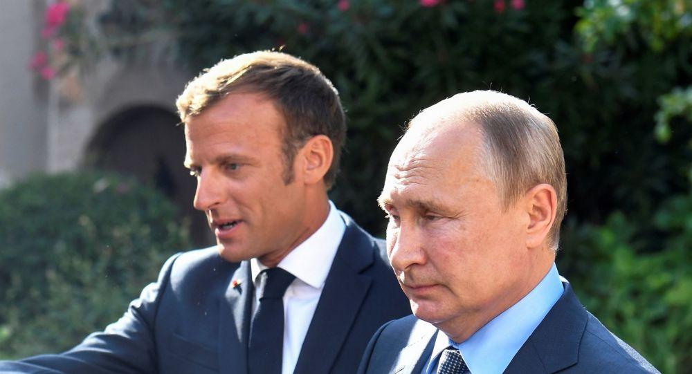 بوتين: نود معرفة موقف فرنسا مما يحدث في ليبيا