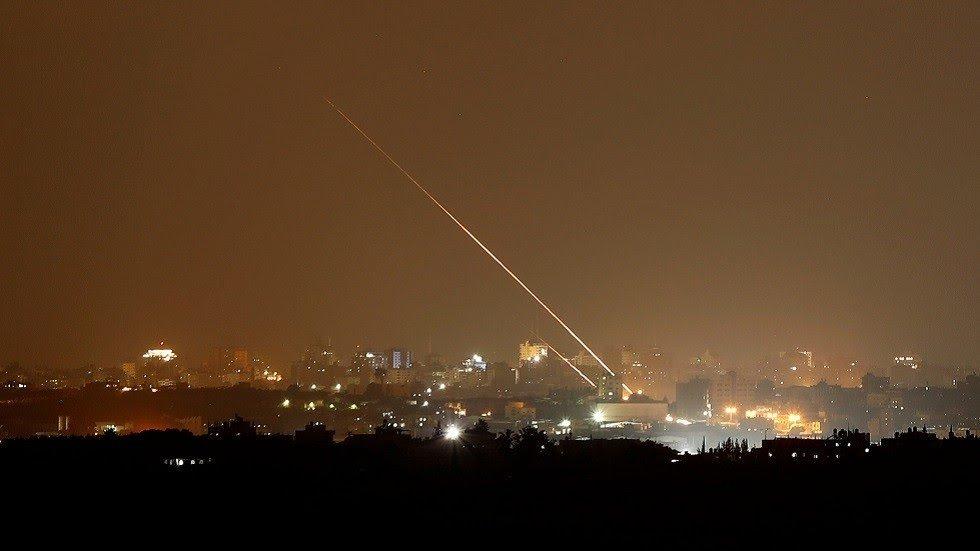 إطلاق قذيفة صاروخية من قطاع غزة في اتجاه الأراضي الإسرائيلية