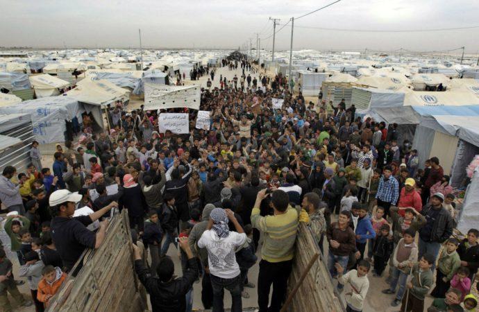 الأزمة اللبنانية والنازحون السوريون
