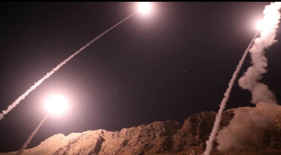 وسائل إعلام سورية: طائرات مجهولة هاجمت مدينة على الحدود مع العراق