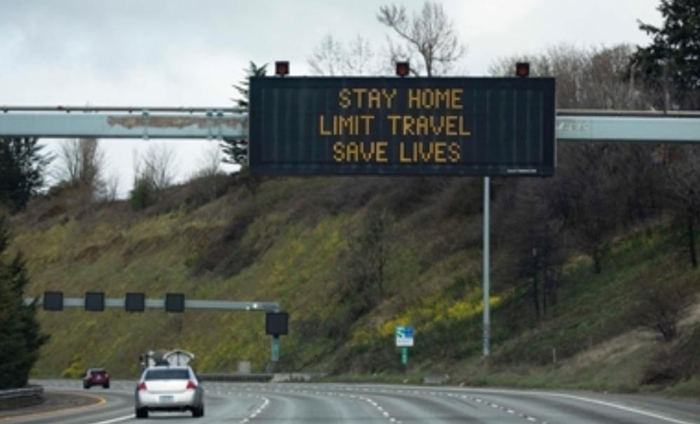 ولايات أميركية تأمر بالإغلاق والتزام المنازل والاحتواء ينجح في سياتل