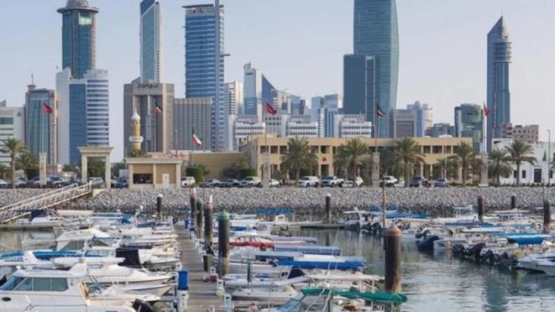 مصر تبدأ جسرا جويا لإعادة آلاف العالقين في الكويت بعد أعمال شغب