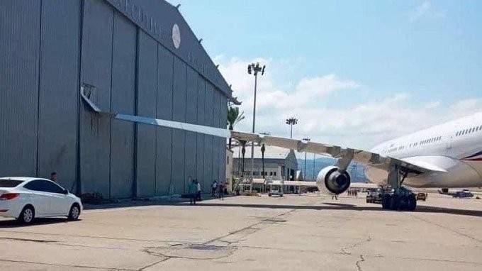 تضرر طائرة ماكرون بعد اصطدامها بهنغار في مطار بيروت