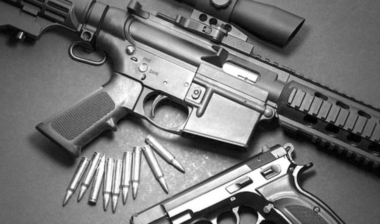 """""""واشنطن بوست"""": الأميركيون يشترون ملايين الأسلحة خوفاً من العنف"""