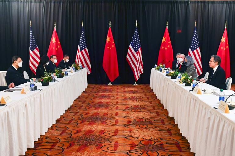 """""""وول ستريت جورنال"""": الخطاب الصيني في ألاسكا إنذار بتراجع هيبة أميركا"""